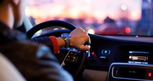 5 Safety Tips to Follow When You Are Driving